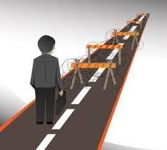 دانلود پاورپوینت موانع اجرای استراتژیهای سازمانها فرآیند مدیریت استراتژیک اجرای استراتژی  عدم تشخیص موانع ازمخاطرات اجرای استراتژی  بررسی موانع اجرای برنامه های استراتژیک موانع و مشکلات طراحی برنامه های استراتژیک